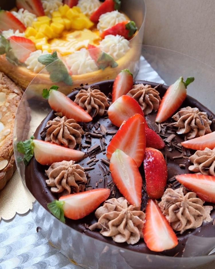 "Triple Chocolate (8"")"