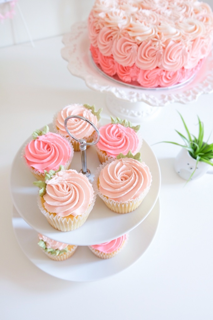 Rose Cupcakes (Baby Shower)